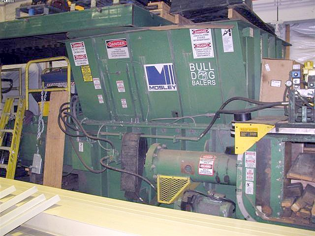 MOSLEY BULLDOG Model XL-200-S4 Horizontal Baler,