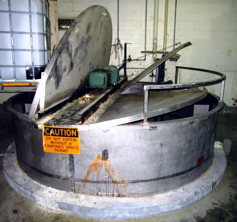 INDIAN TUFF TANK, ~3300 gallon capacity, stainless steel,