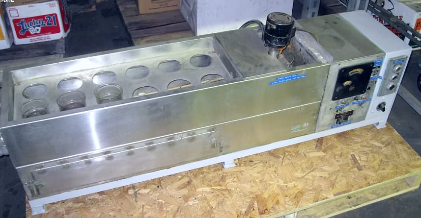 CUSTOM  SCIENTIFIC Agitated Dye/Water Bath,