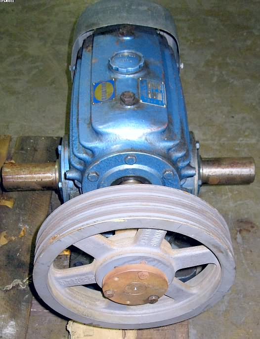 HOLYROYD Gear Box, dual keyed shafts,