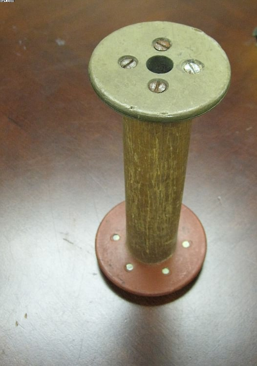 "LHP Twister Bobbins, 8"" traverse, 4"" base x 3.25 "" top,"